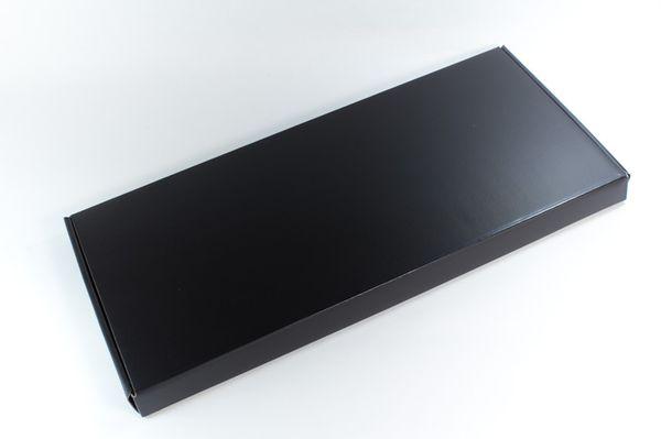 真っ黒な内箱はCZ-900と同じ