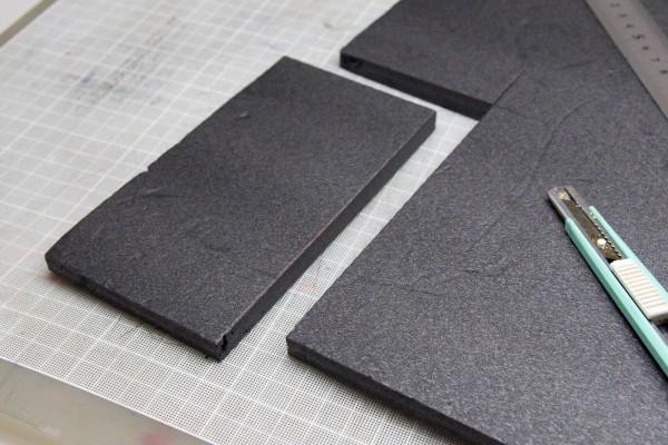 iPhone 6 Plusと同じサイズに切り分けた板