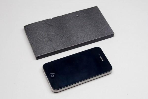 iPhone 4とiPhone 6 Plus(相当の板)とのサイズ比較