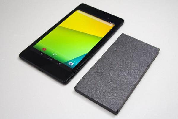 Nexus 7(2013)とiPhone 6 Plus(相当の板)とのサイズ比較