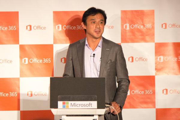 10月16日に行なわれた発売記念イベントに出席しました。写真は日本マイクロソフト株式会社執行役コンシューマー&パートナーグループゼネラルマネージャーの高橋美波氏