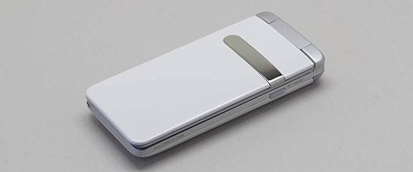 携帯代節約にピッタリなガラケーGRATINA(KYY06)をレビュー