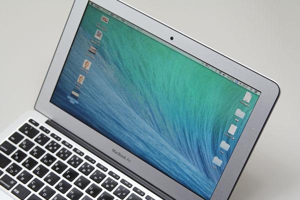 MacBook Air 11の解像度は1366×768ドット。ノートでは一般的な解像度だが、筆者個人としては狭すぎる