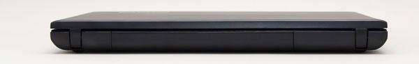 本体背面のヒンジ部分。最厚部で約26mmとやや厚め