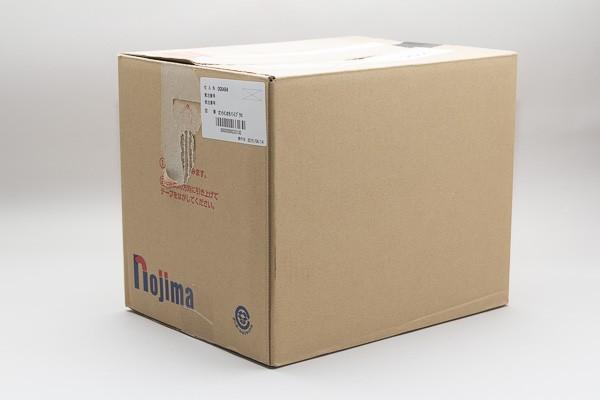 到着した箱。実は待ちきれずに開封済み
