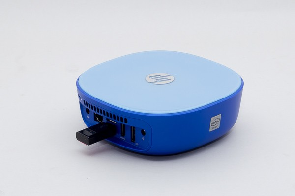 付属のUSBレシーバーを「HP Stream Mini」に接続して使います