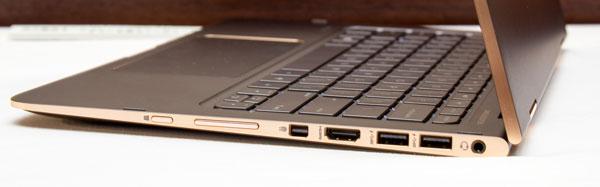 左側面には、Windowsボタンと音量調節ボタン、Mini DiplayPort、HDMI、USB3.0×2、ヘッドホン出力が用意されています