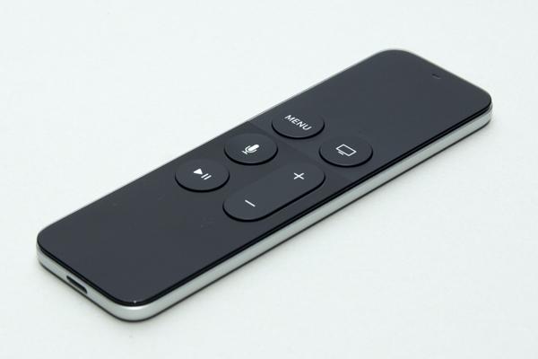独特のインターフェースを備えるSiri Remote