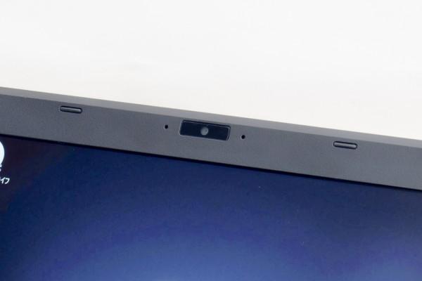 液晶ディスプレイ上部に、HD画質(720p、92万画素)のWebカメラが用意されています