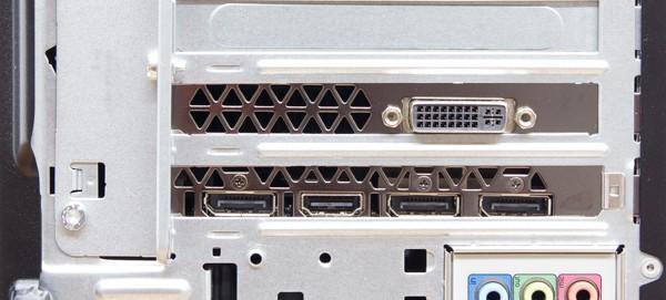 試用機の映像出力端子。デュアルリンクDVI-I、HDMI、DisplayPort×3が用意されています