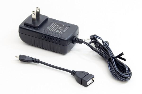 付属の電源アダプターとmicroUSB-USB変換アダプター