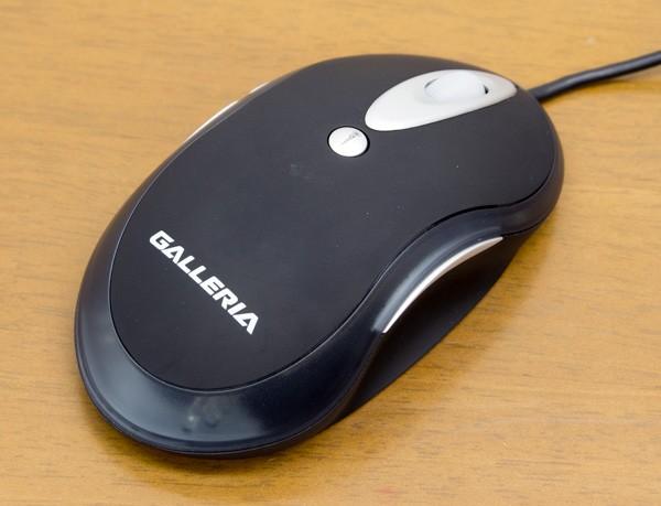 標準付属のレーザー式5ボタンマウス(USB接続)