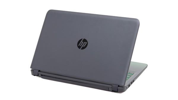 HP Pavilion Gaming 15のトップカバーはブラックです