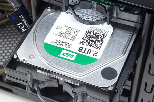 HDDはWDのGreen WD20EZRX 2TB