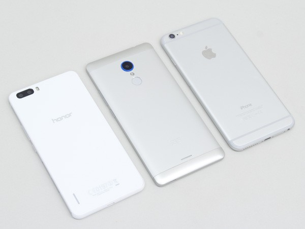 honor6 PlusとZTE Blade V580、iPhone6 Plusのバックパネル