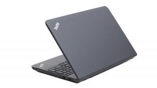 レノボThinkPad E560レビュー(外観編) 使いやすさにこだわった15.6型ノートPC