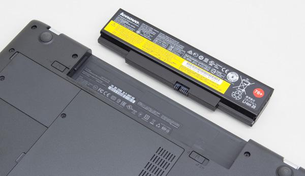 標準では6セルのリチウムイオンバッテリーが搭載されています
