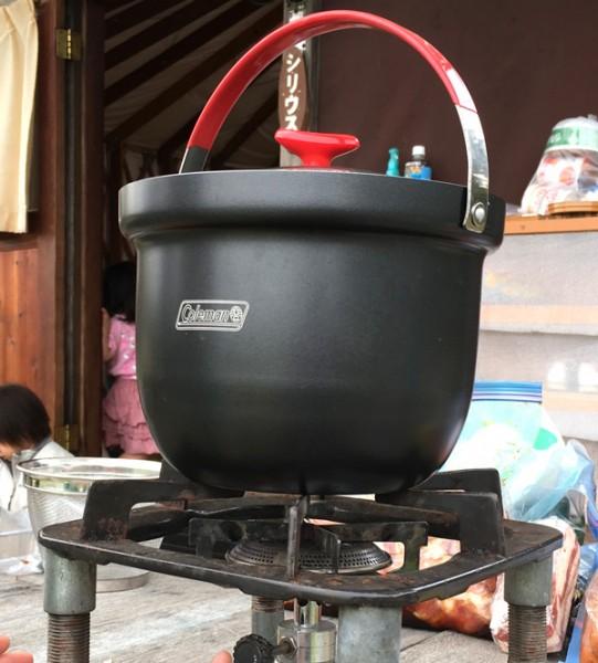 コールマンの「アルミライスクッカー」。3合ぶんのお米を簡単&手早く炊くことができます