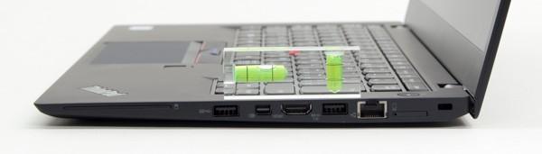 キーボードの傾斜はほんのわずか。別売りのThinkPad ウルトラドックを使ったときに最適な角度になるための配慮かもしれません
