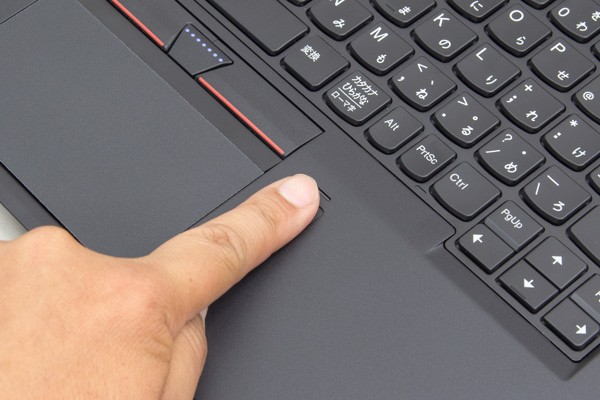 指紋を登録した指で触れるだけで、Windows 10にサインインできます