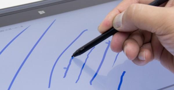 ペン先を傾けることで、線の太さが変わります