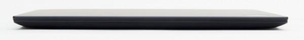最薄部となる本体前面は15.8mmです