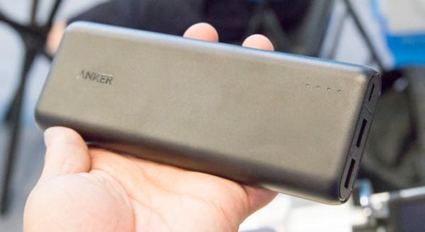 台湾取材にあたって購入した26800mAhの「Anker PowerCore+ 26800」が重すぎると言ったら、20100mAhの「Anker PowerCore 20100」をすすめられました。商売上手ですな