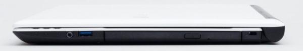 右側面にはヘッドホン/マイク兼用端子とUSB3.0端子、光学ドライブを配置