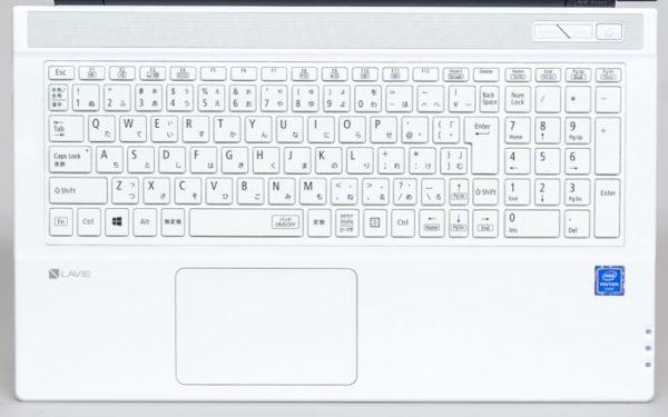 テンキー付きの標準的な日本語配列キーボード