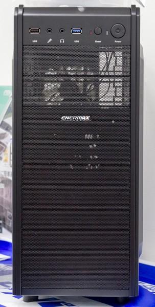 PCケースはミニタワー型
