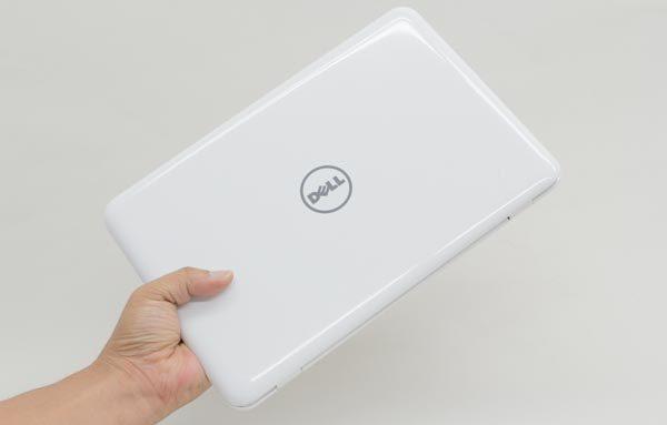 Inspiron 11 3000シリーズは11.6型のノートパソコンで、非常にコンパクトな点が魅力です