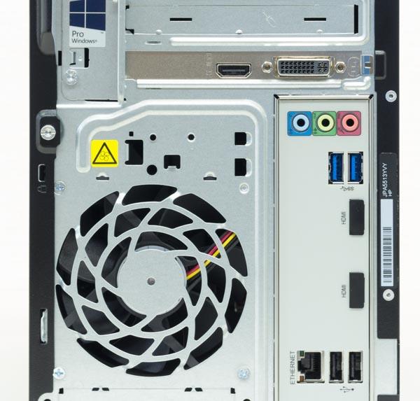 バックパネルにはオーディオ端子類とUSB3.0×2、有線LAN端子、USB2.0×2。映像出力はグラフィックス機能によって変わりますが、GT 730搭載の試用機ではHDMIとDVI-Iが用意されていました。内蔵グラフィックスの場合はHDMI×2です