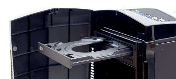 光学ドライブは、フロントカバーを開いて利用