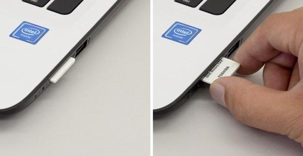 SDメモリーカードをスロットは、挿入すると数ミリはみ出るタイプです。またカードを取り外すには、力を入れて指で抜く必要があります