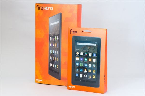 2015年発売のFire HD 10と7型Fireタブレットのパッケージ