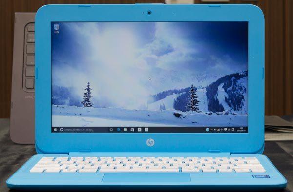 液晶ディスプレイのサイズは11.6型で、解像度は1366×768ドット