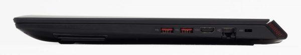 右側面はUSB3.0×2、HDMI、有線LANの構成