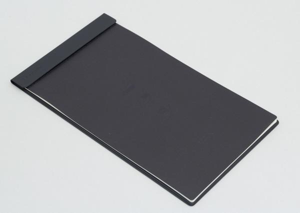 付属のBOOK Pad。紙のノート部分だけを取り外すことができます