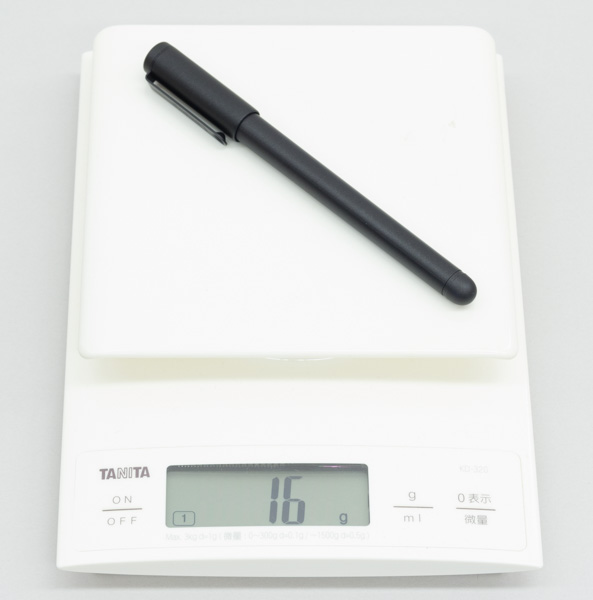 ペンの重量はカタログ値で15.5g、実測で16gでした