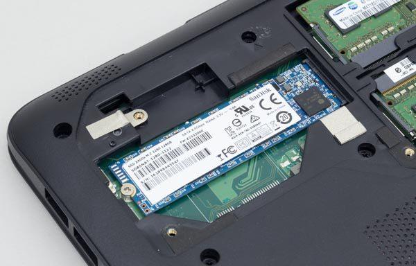 試用機ではM.2スロットに、120GBのSSDが接続されていました