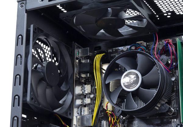 CPU回りの空冷ファン