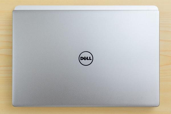 MacBook Pro 13インチモデルとの大きさ比較