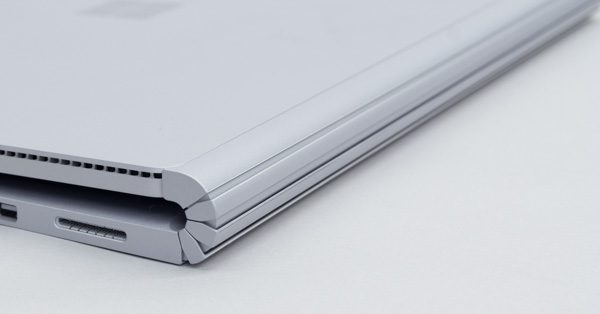 Surface Bookヒンジ部分のすき間