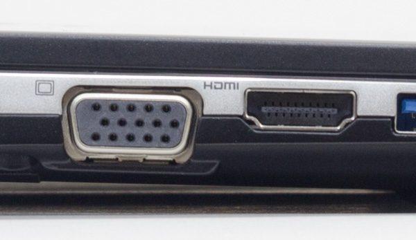 アナログRGB端子とHDMI端子