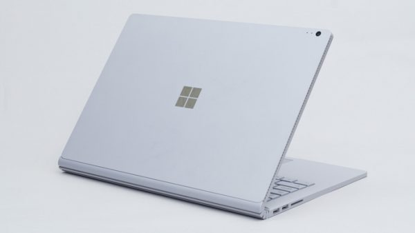 surface bookのボディ素材