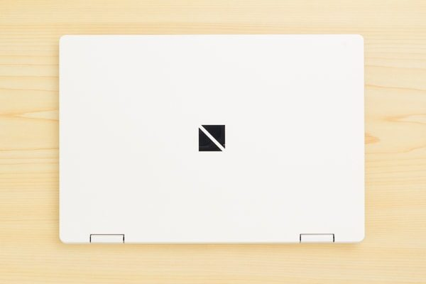 LAVIE Direct NMの本体デザイン