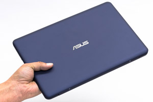 VivoBook E200HAのサイズ感