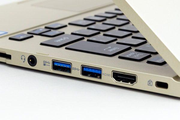 USB3.0端子のブルー