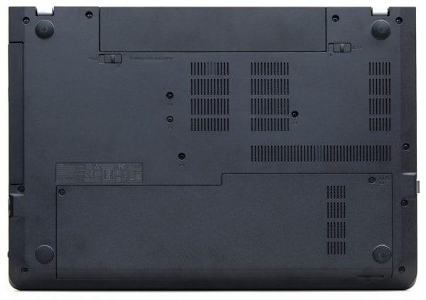 ThinkPad E570の底面部