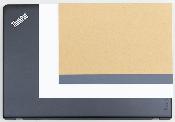 B5ノートとA4用紙とのサイズ比較